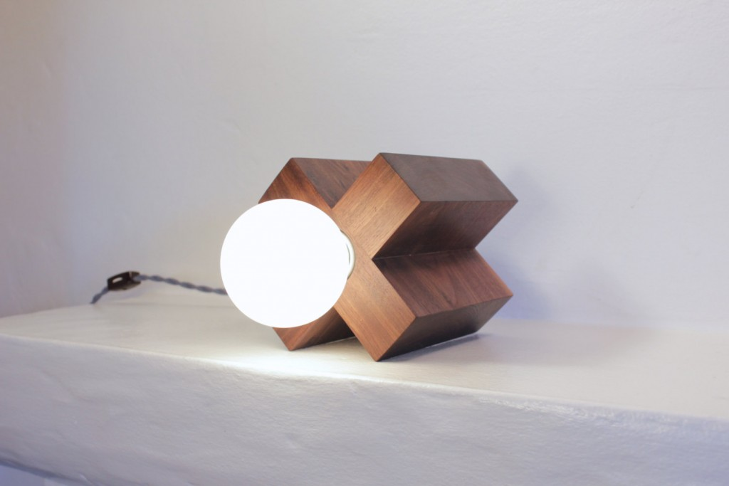 04 table lamp
