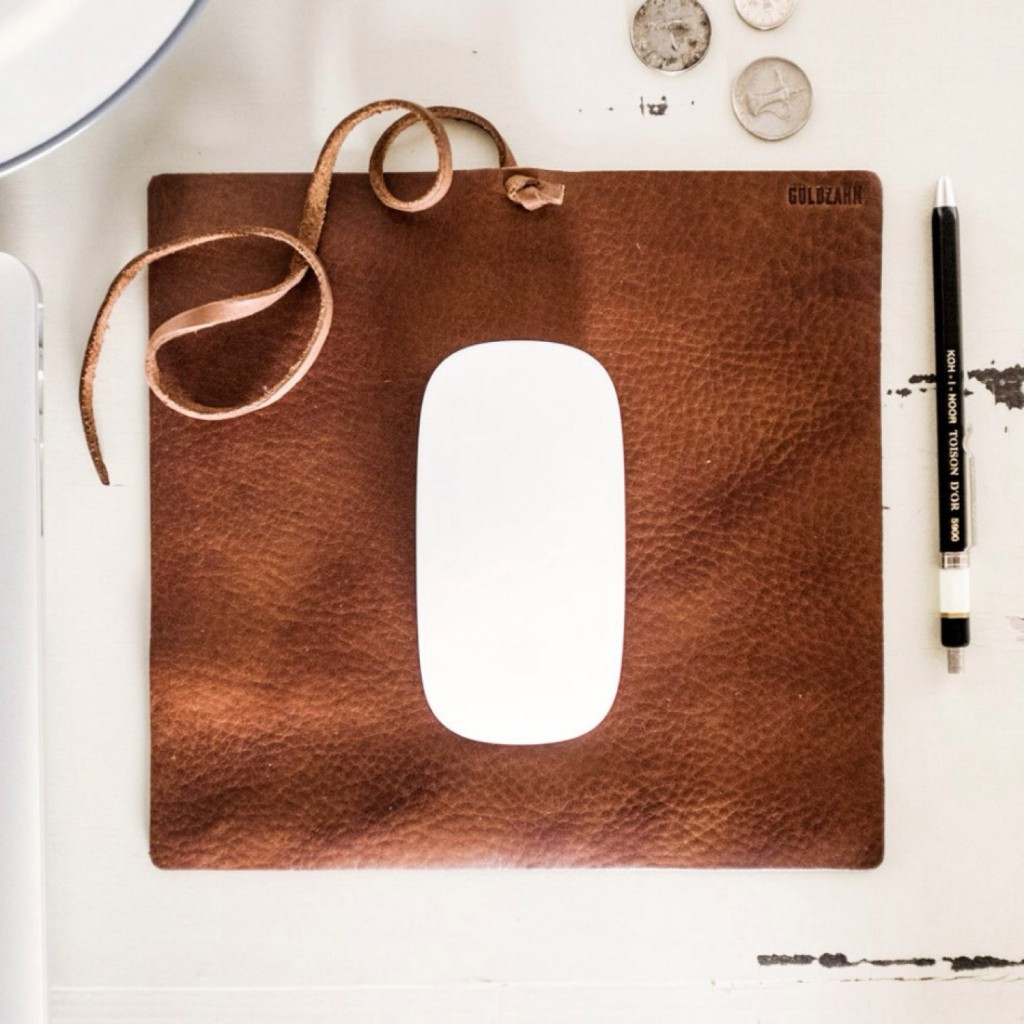05 Travel Mousepad