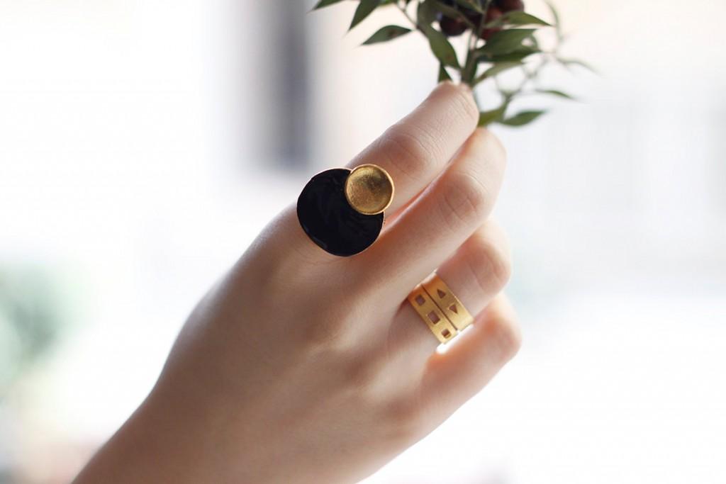 01 Circle Petal Ring