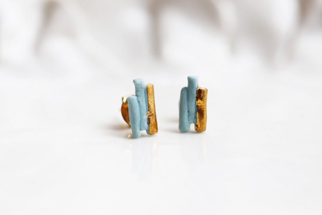 01 porcelain and gold earrings
