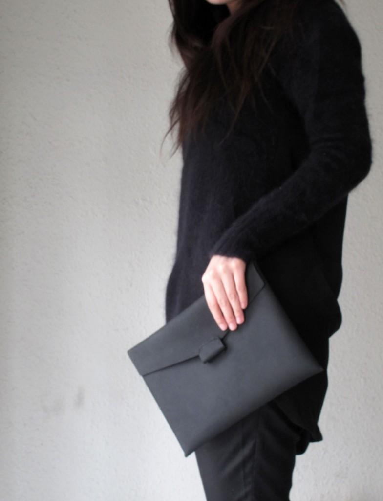 02 black leather iPad case