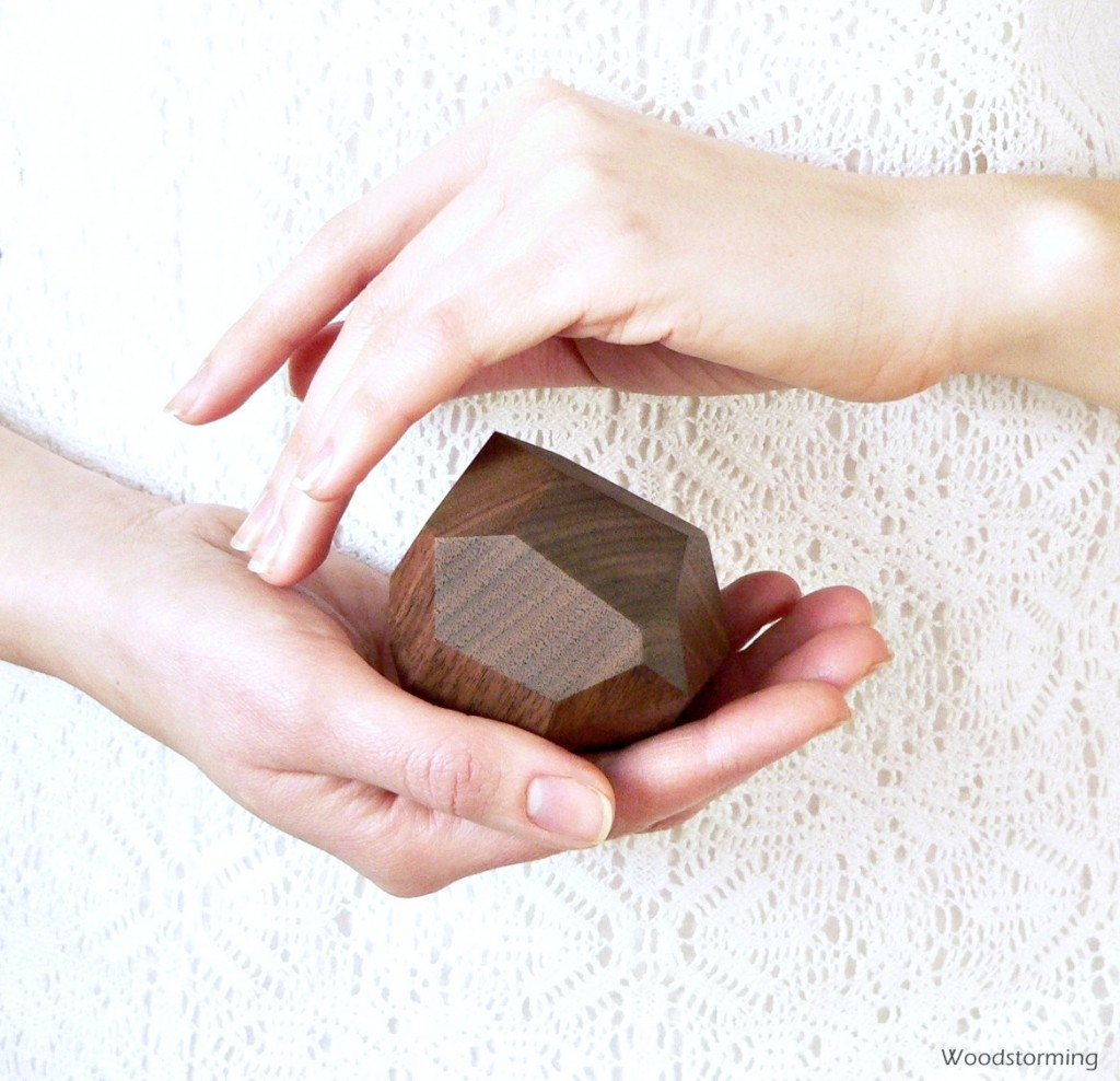 03 Faceted wood ring box