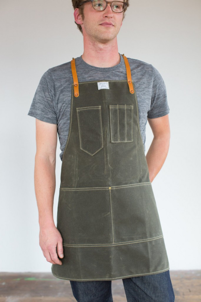 05 Mens Olive Waxed Canvas Artisan Apron