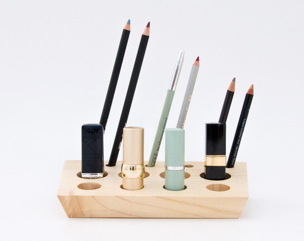 05 Wooden Lipstick Holder
