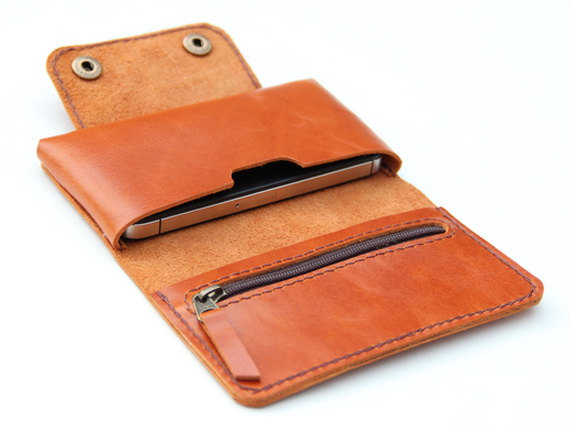 04 Leather iPhone wallet case