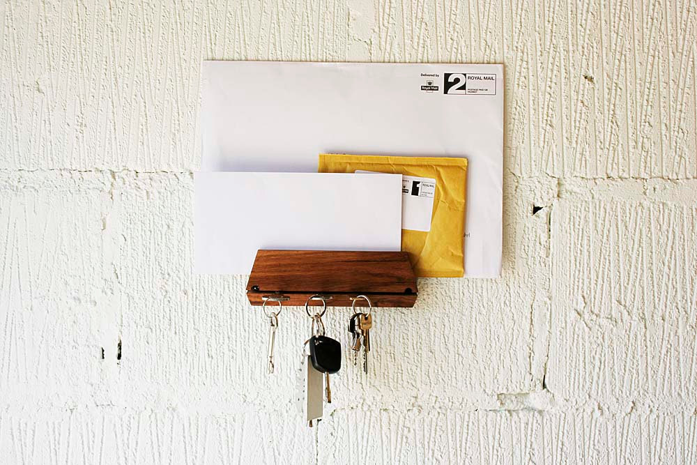 5 Key Holder and Mail Holder