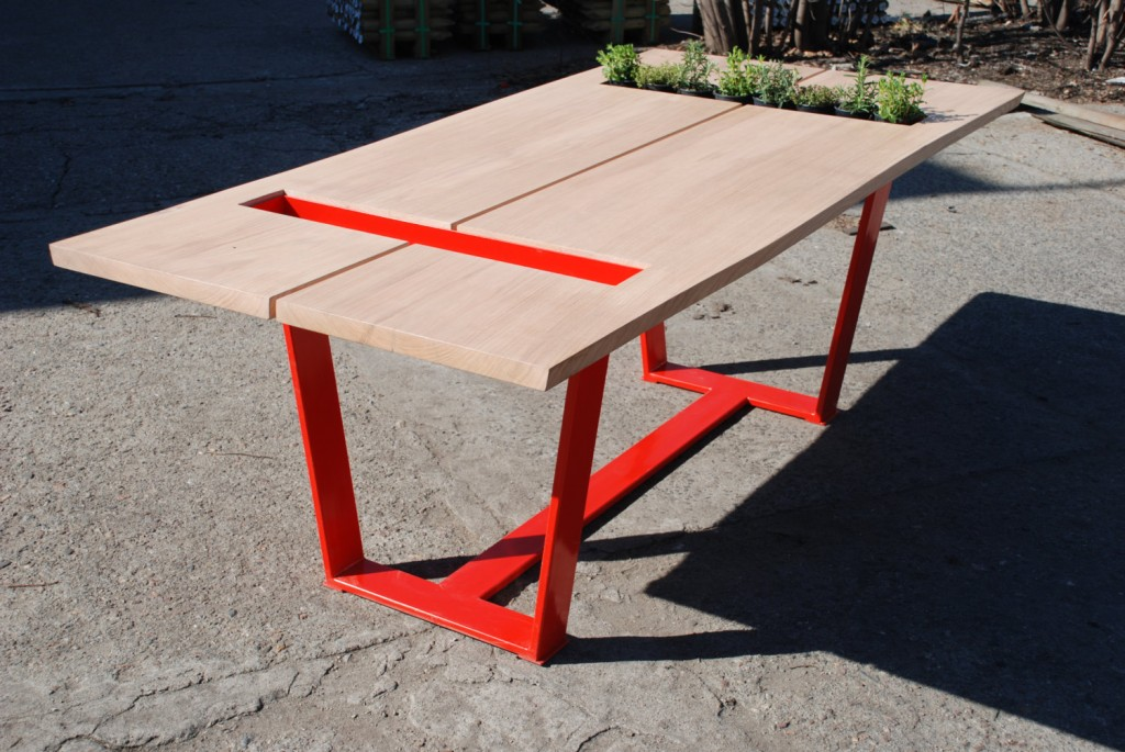 1 Red Oak Dining Table