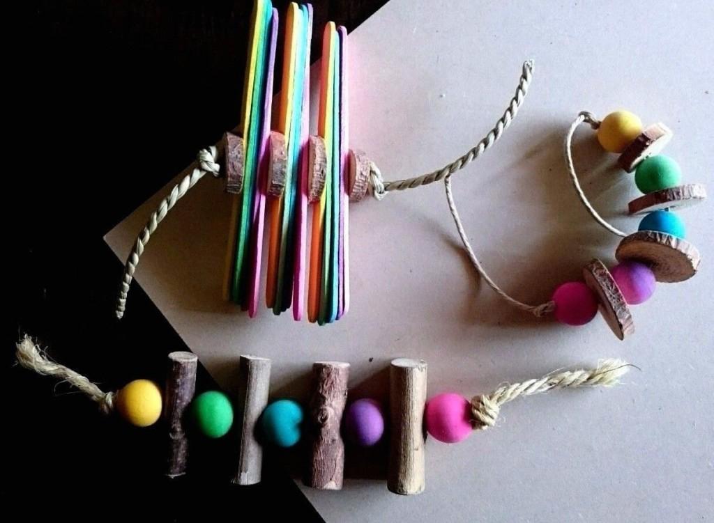 5 3 x Rainbow Wooden Toss Toys