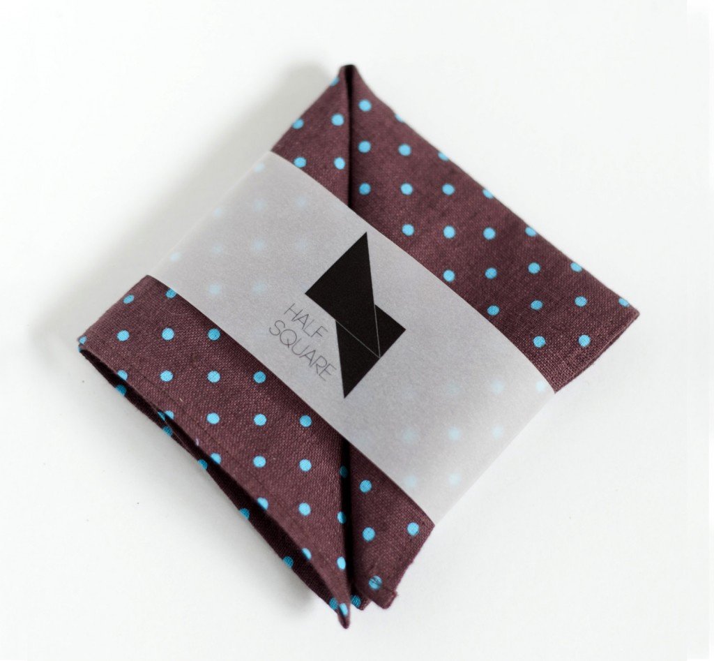 1 Pocket square brown with blue polka dots