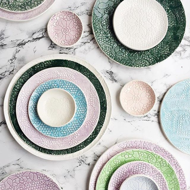 1 green ceramic plate