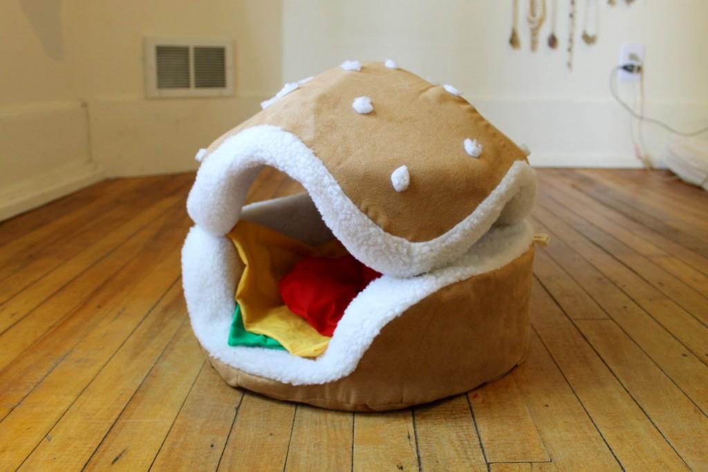 4 Hamburger cat and small dog bed