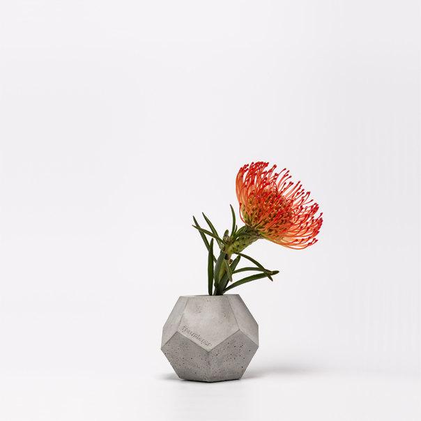 2 frauklarer dodecahedron concrete vase
