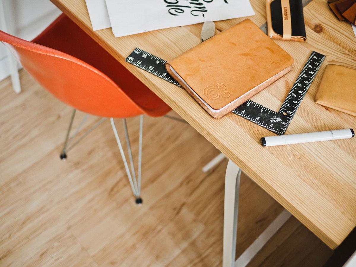 unsplash-desk-chair-creativity-photo-web