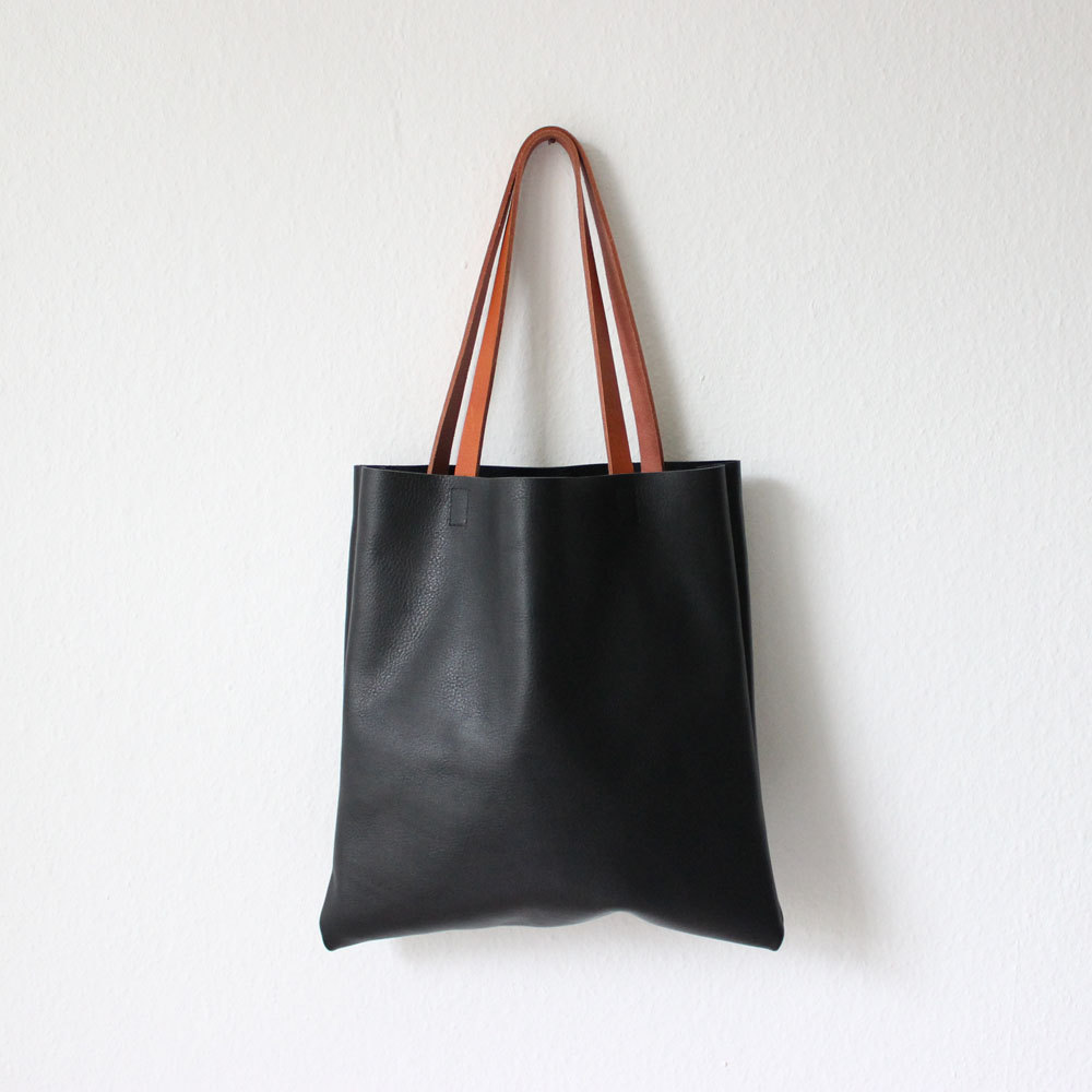 4 black leather shopper