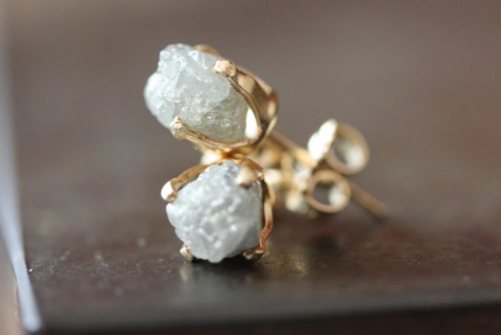 01 Rough Diamond Stud Earrings