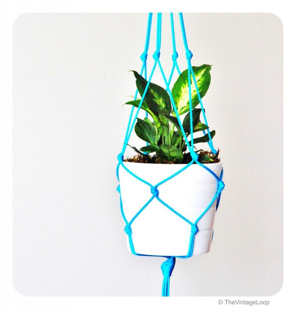 02 Neon blue modern macrame plant hanger