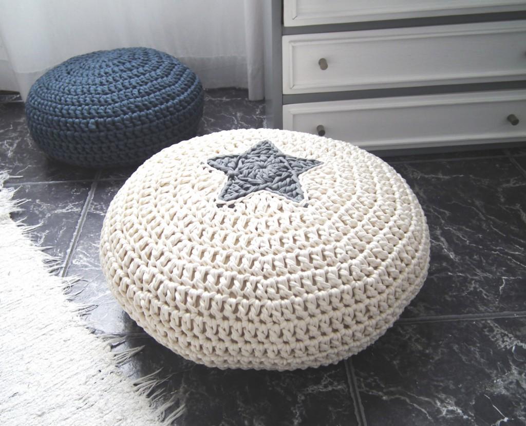 03 Off White Crochet Pouf