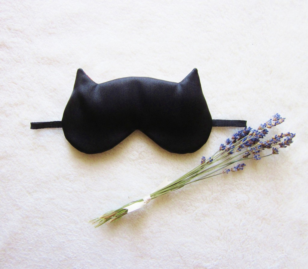 04 Cat Eye Mask