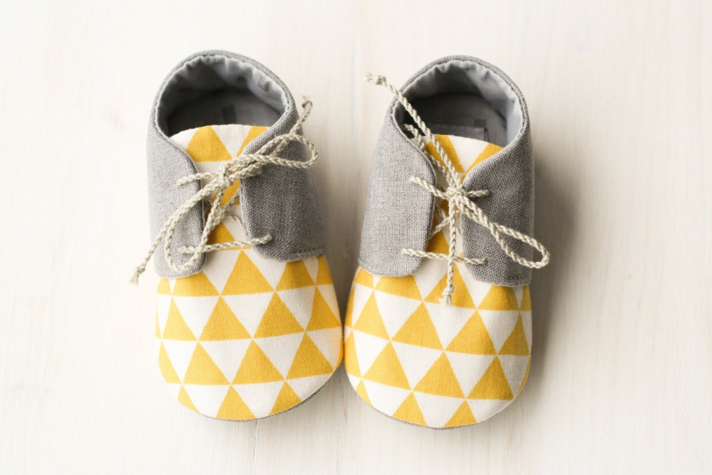 02 Grey and yellow baby boy shoes
