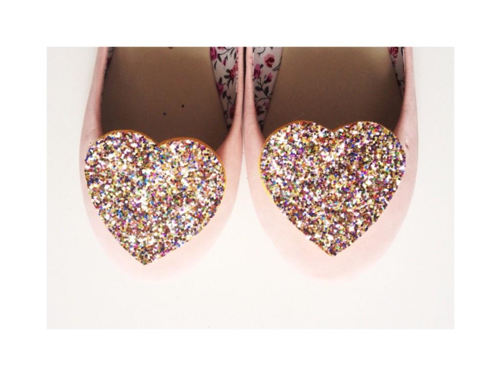04 Confetti Glitter Heart Shoe Clips