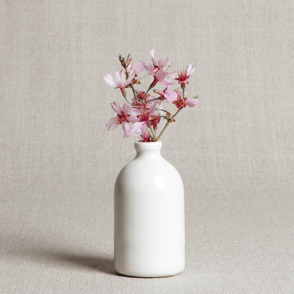 05 White Minimalist Bud Vase
