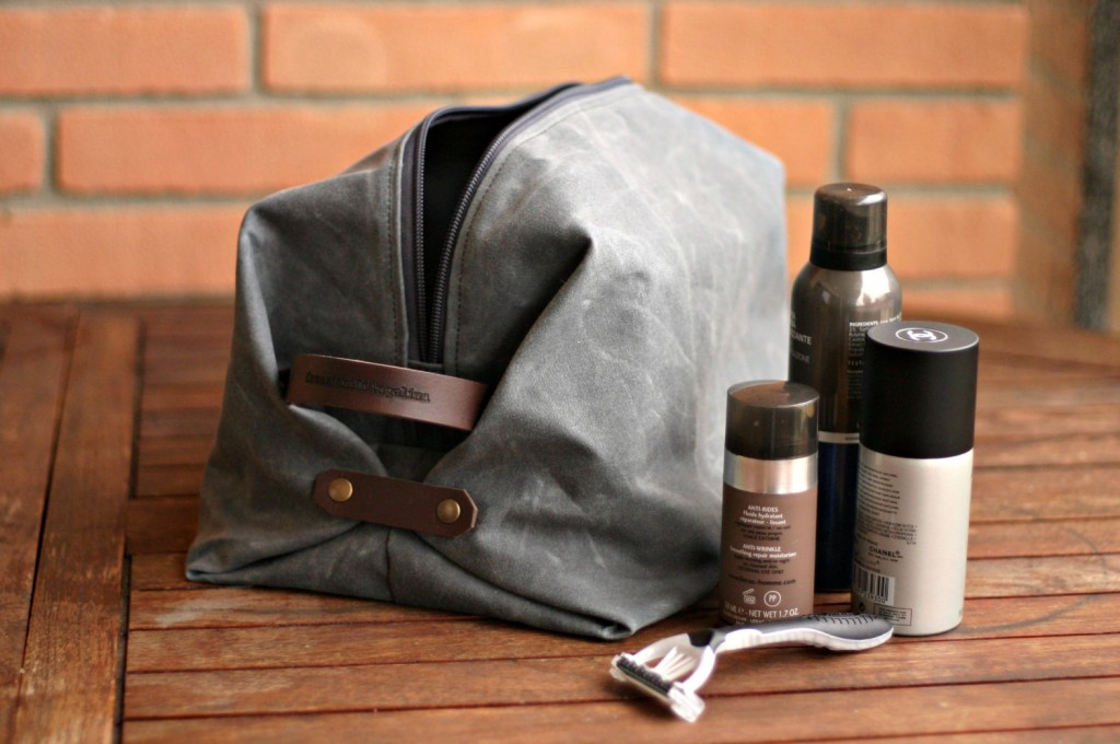 4 Waxed canvas Toiletry bag