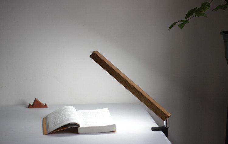 1 LED Wood Lamp