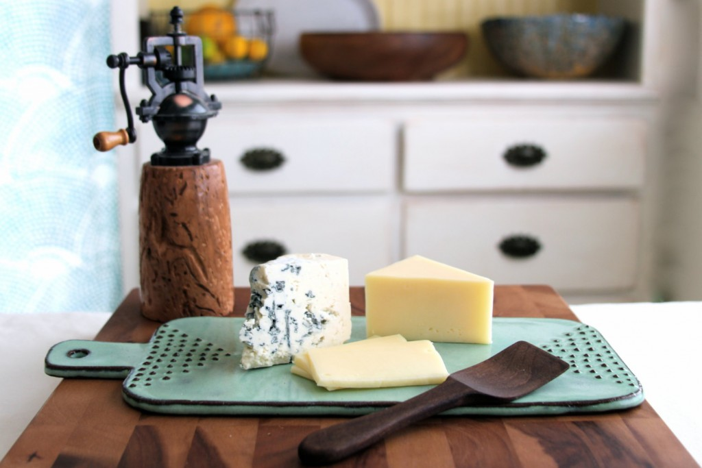2 Cheese Board Tray with Geometric Dot Design