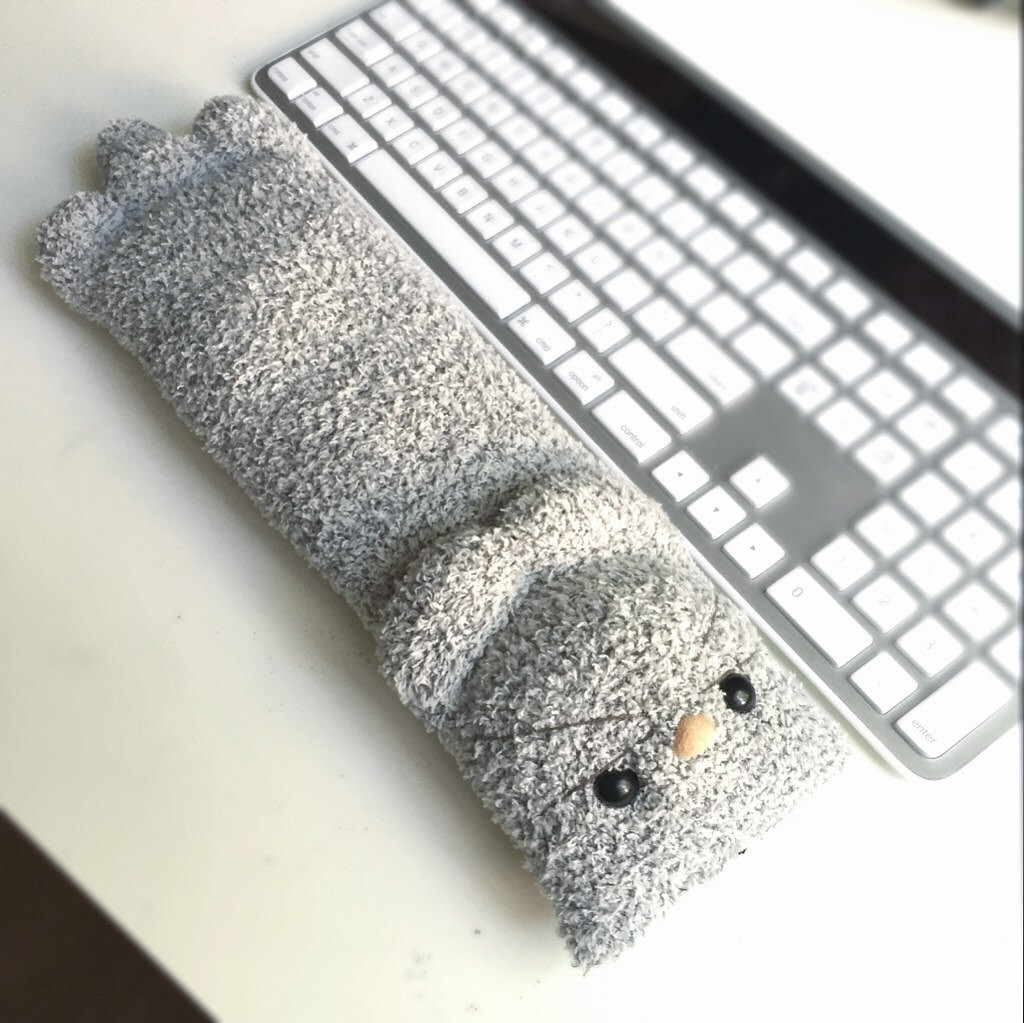 4 gray cat keyboard wrist rest