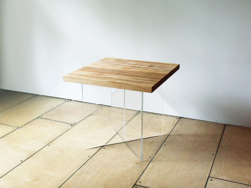 1 FLAT coffee table