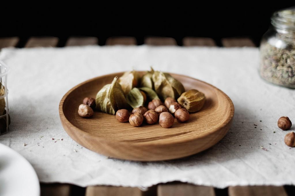 1 white oak wooden plate