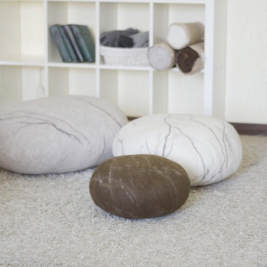 3 Set of 3 floor cushions