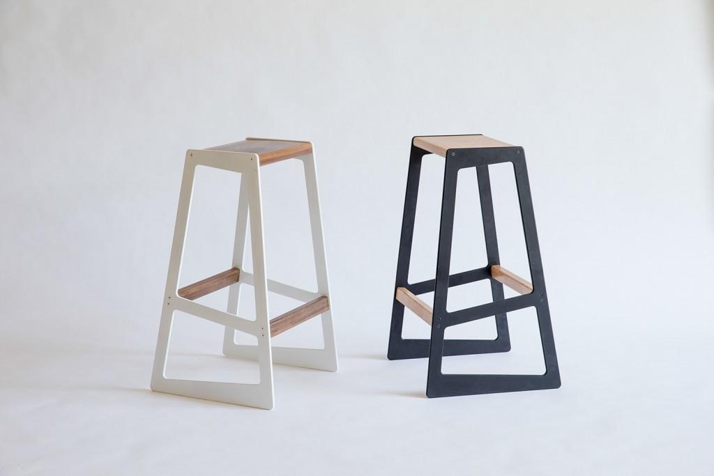 5 Barstuul - Asymmetrical Bar Stool