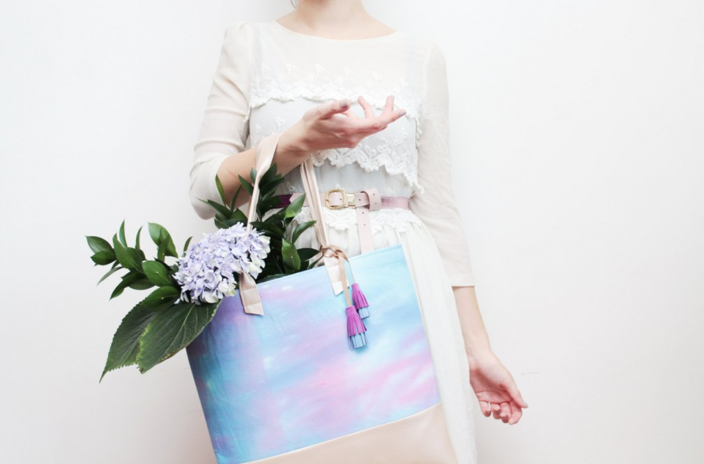 5 Dyed cotton and soft leather daily tote