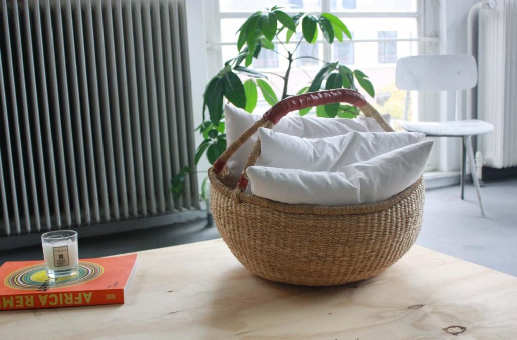1 Extra Large African Basket