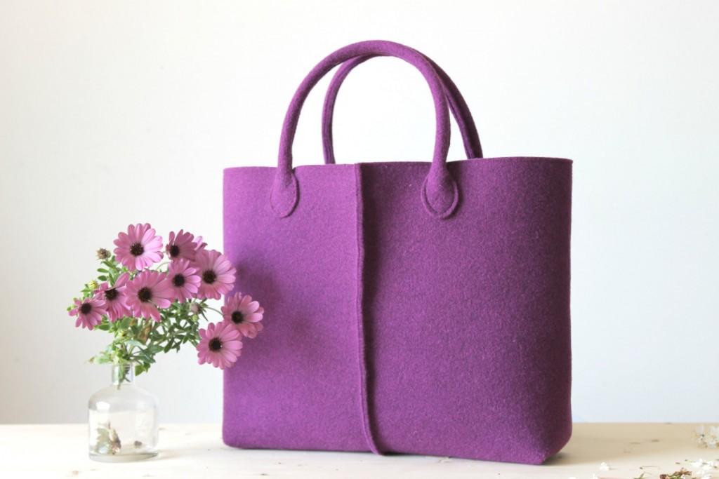 2 Elegant and Casual Felt Bag