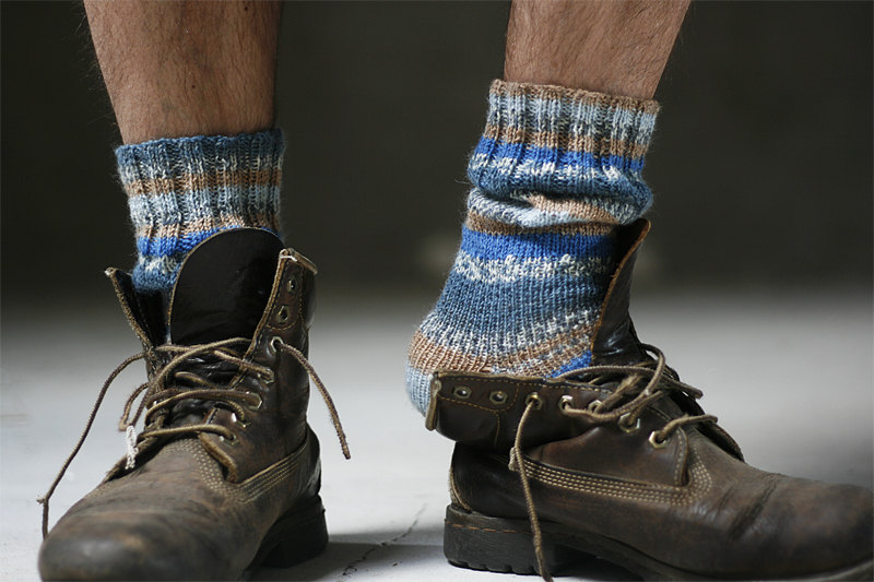 3 Mens blue striped socks