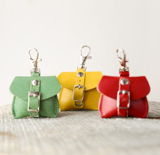 2 Green bags leather keychain