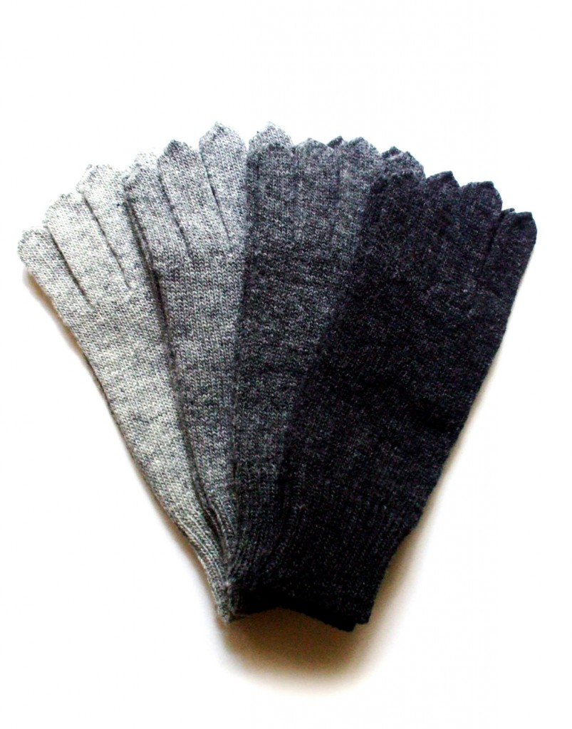 3 Mens knitted lambswool Gloves
