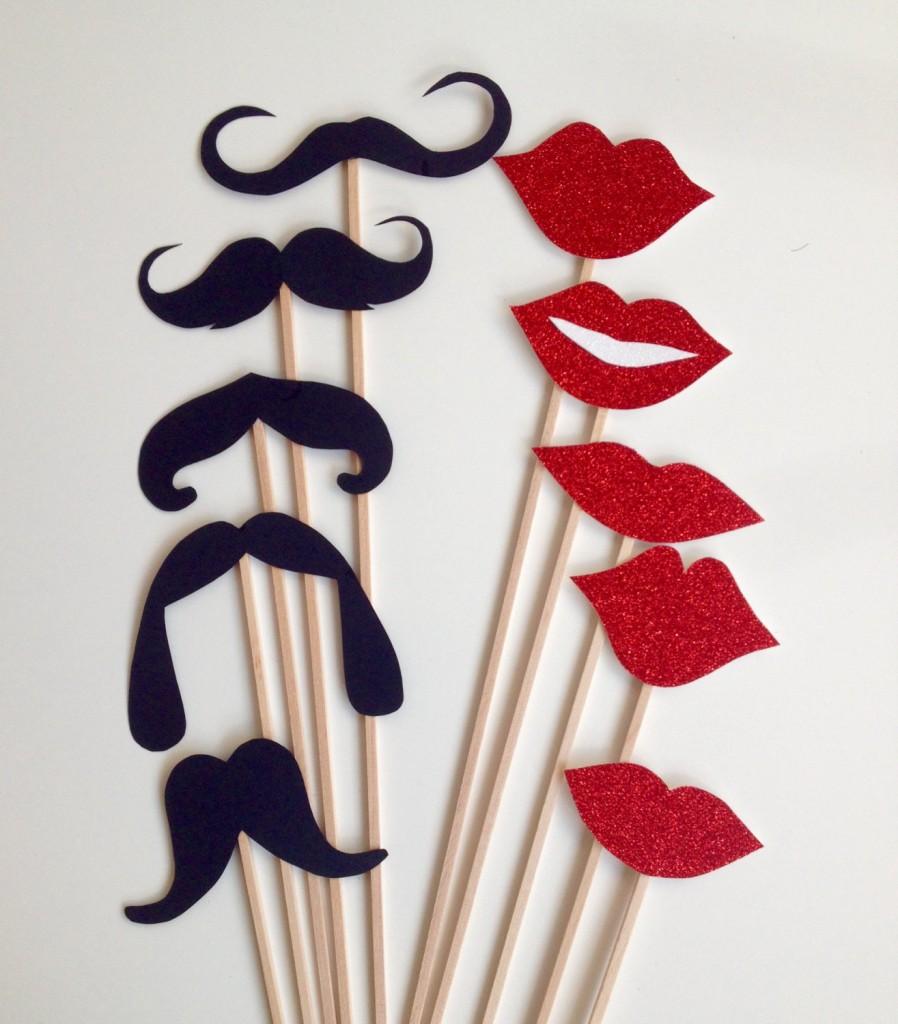3 10-Piece Mustache and Glitter lips