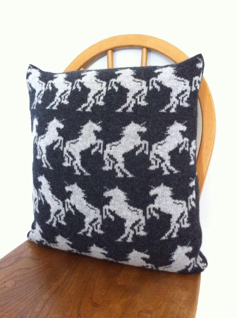 2 Unicorn cushion