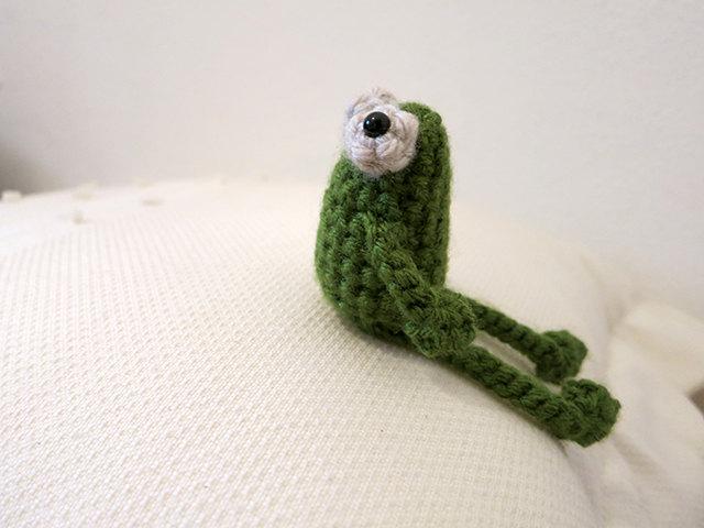 1 Amigurumi Sitting Frog