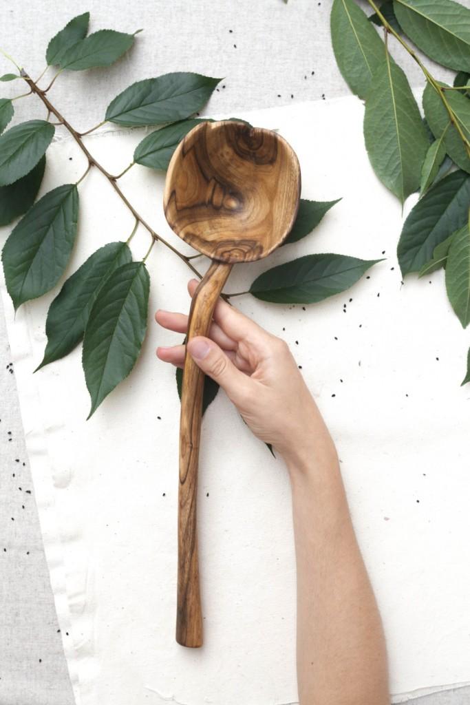 1 large walnut spoon