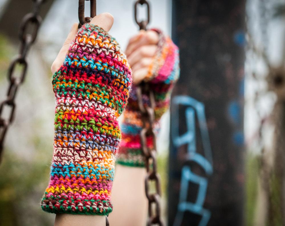 1 Multicolored Fingerless Gloves