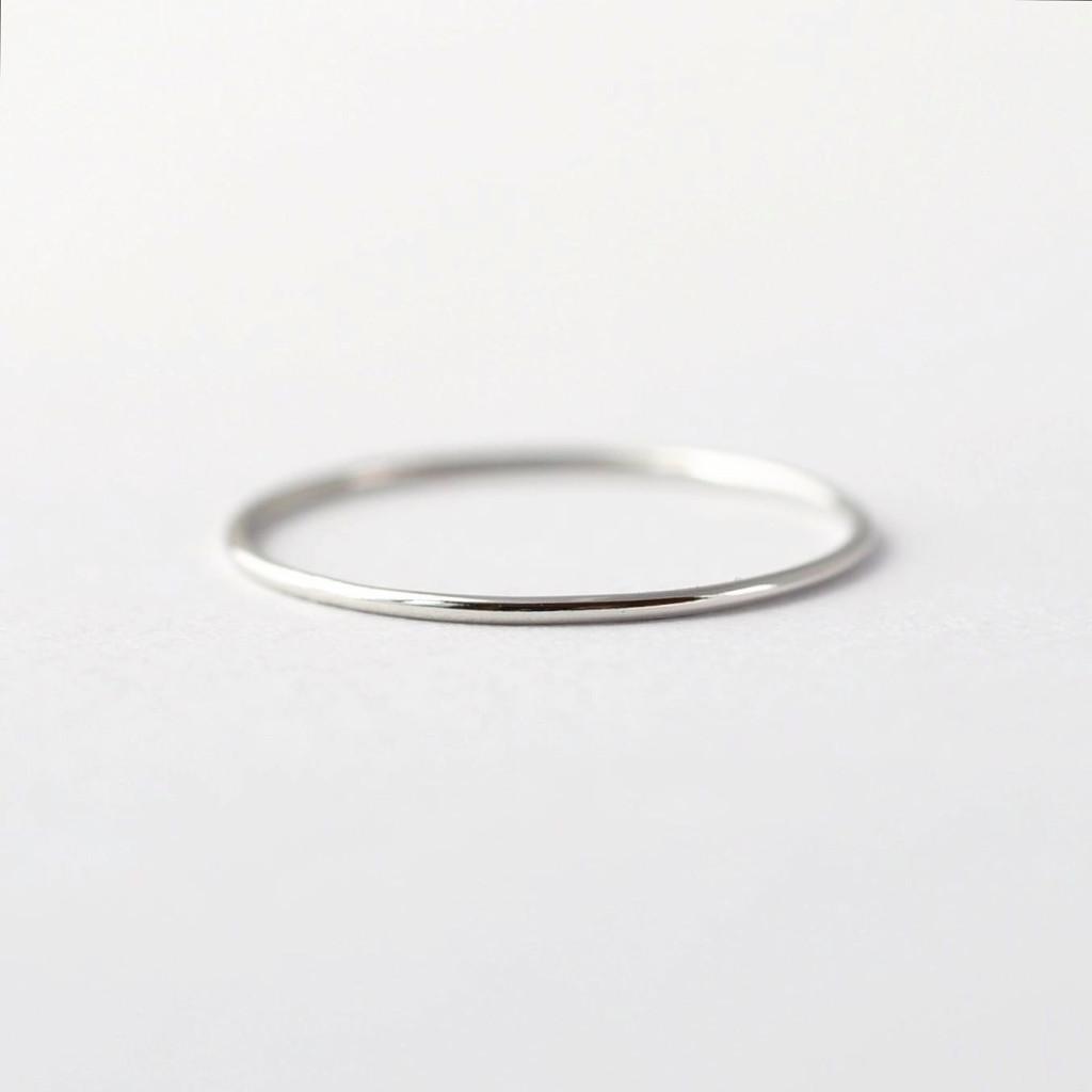 1 Mila Kunis Platinum Wedding Band