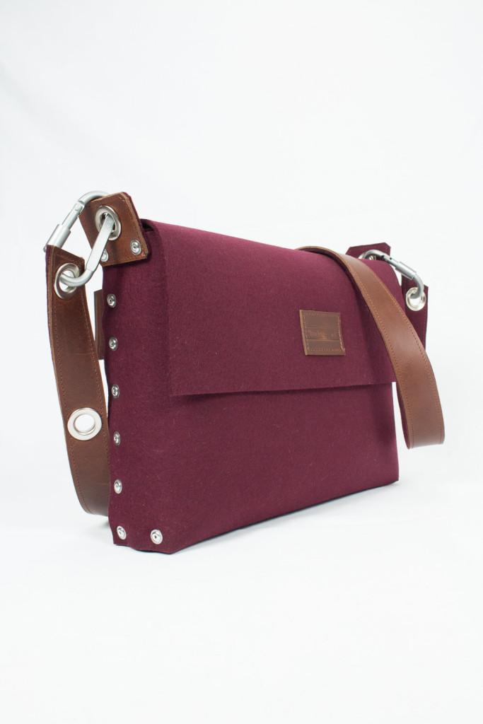 4 Messenger Bag